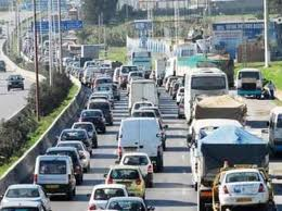 embouteillage-sur-lautoroute-a-alger